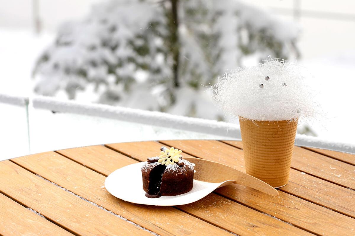 霧氷にちなんだ、霧氷フォンダンショコラ600円、霧氷コーヒー500円を楽しむこともできます