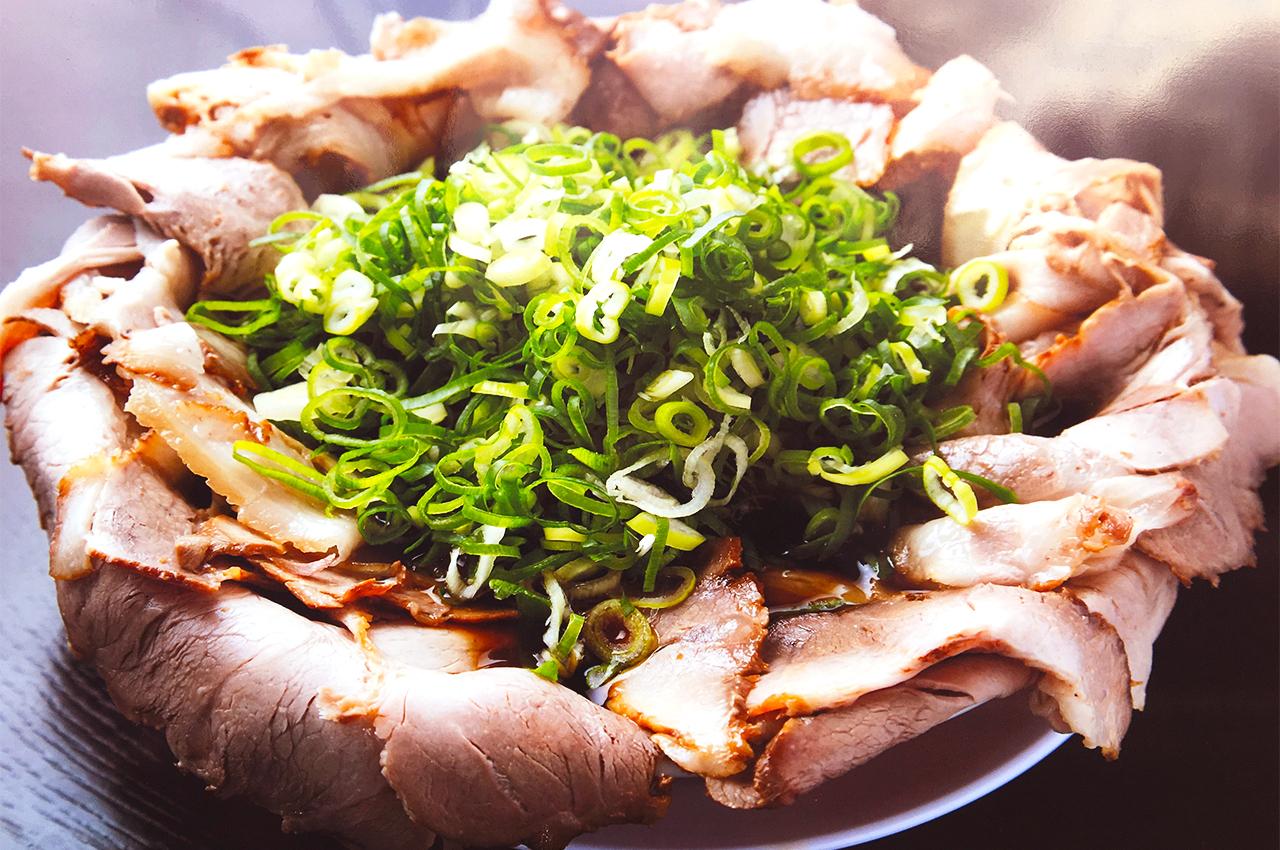 醤油ラーメン(並)700円+チャーシュー肉増し450円+ネギ増し100円