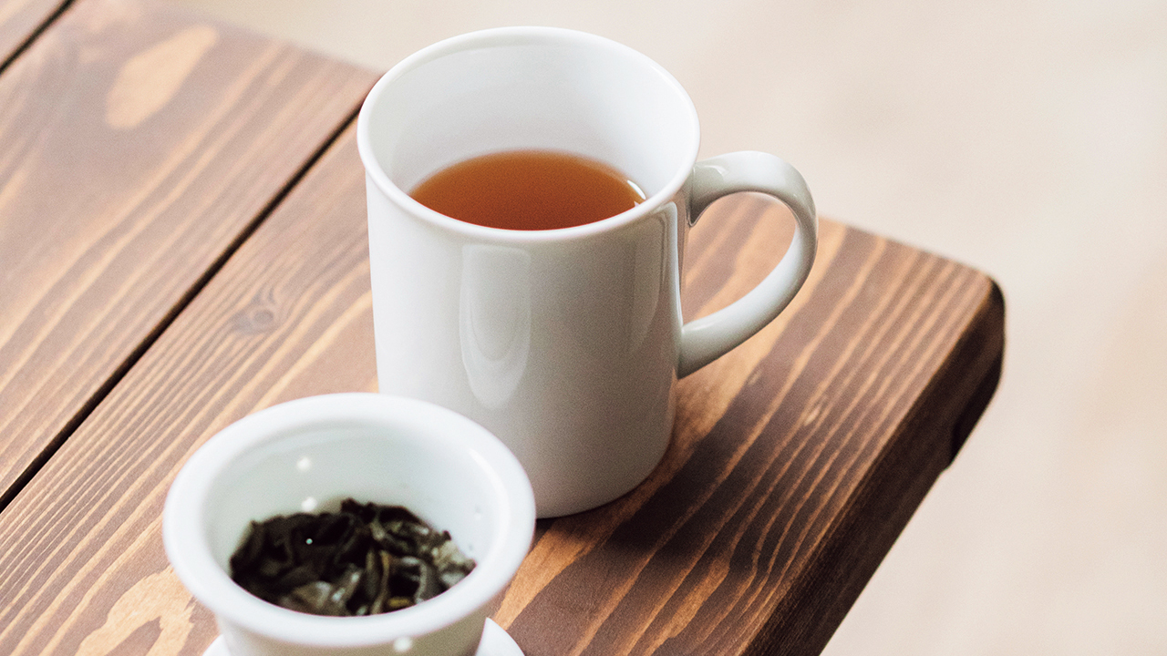 中国茶600円。この日の茶葉は、高田さんおすすめの台湾蜜香貴妃茶。焼き菓子のような甘い香りが特徴