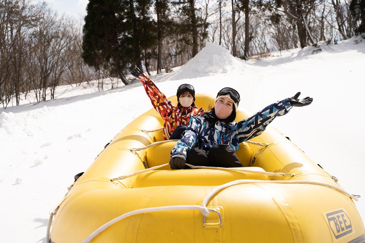 スノーラフティングで雪原を走り抜ける疾走感は他では味わえない爽快さ
