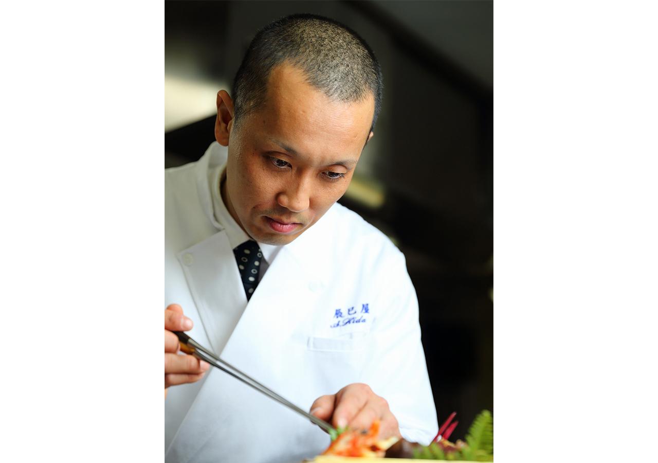 お茶を活かした「抹茶料理」で知られる[辰巳屋]の左聡一郎氏