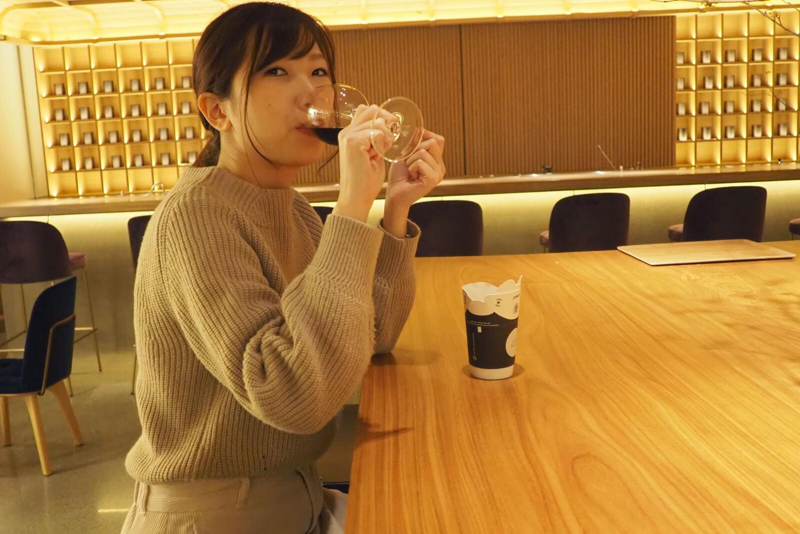 昼からワインが飲めて最高