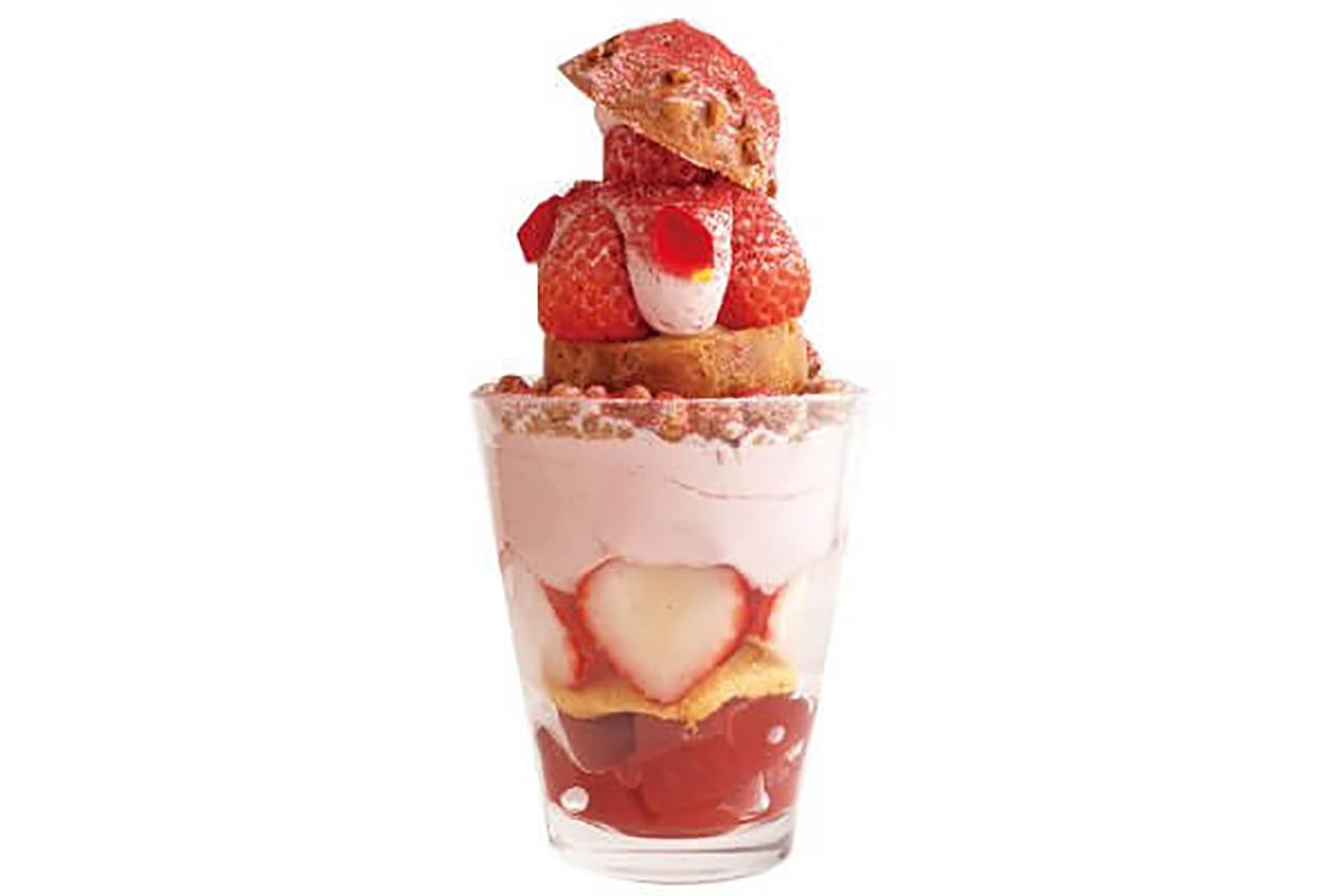 甘酸っぱいイチゴクリーム、ザクザク食感のクッキー、爽やかなイチゴゼリーなど、最後の一口まで美味しいいちごづくし1500円※バージョンにより価格が変動する可能性あり ※12〜5月初旬限定