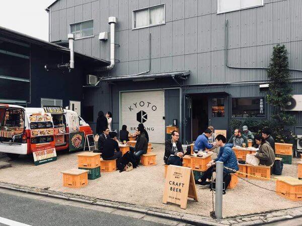 ビール × ホットドックの最強コラボ![TRUCK POCHER]が京都醸造で11/17・12/1に限定オープン!