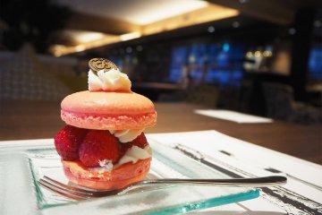 京都タワーホテルの「Sweets Buffet〜strawberry Museum〜」を堪能!