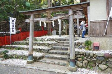 日本で唯一、髪の神様は嵯峨嵐山にいた