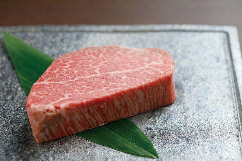 アラカルトで注文できる松阪牛シャトーブリアン1万1000円もぜひ