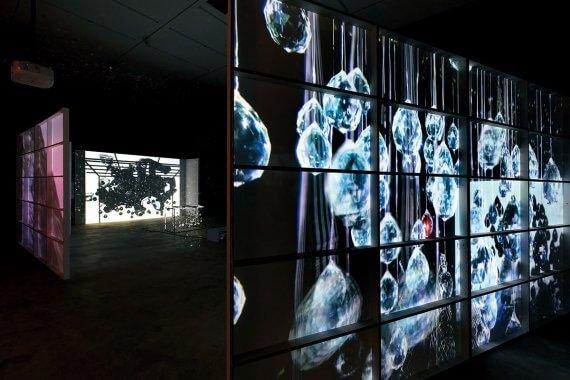 半世紀にわたり活動する美術家の公演・展覧会 ジョーン・ジョナスの京都賞受賞記念イベント開催