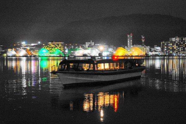 高速船からびわこ花噴水のライトアップを楽しむ「琵琶湖汽船 汽船 de おでん」今年も運航